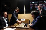 Шахматы. Турнир претендентов в Лондоне начался с конфуза