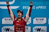 Формула-Е. Де Грасси драматично побеждает в Пекине