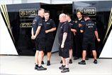 Формула-1. Персонал и гонщики Лотуса питаются в Renault