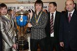 Донбасс сделал копию чемпионского кубка