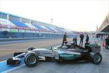 Формула-1. В Мерседес впервые завели мотор на новом болиде. ВИДЕО