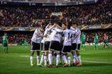 Валенсия уничтожила Рапид, победы Байера и Атлетика, Лацио и Ливерпуль расписали мировые