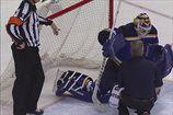 НХЛ. Голкипер Сент-Луиса пропустит около месяца из-за травмы